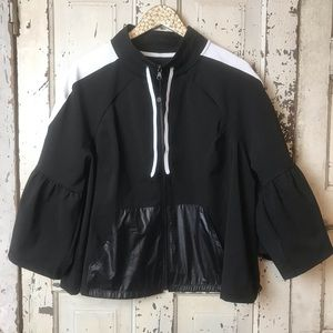 Livi active bell sleeve zip jacket size 22/24
